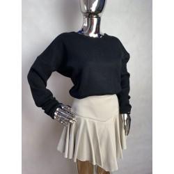 Sweterek z ozdobnym wiązaniem